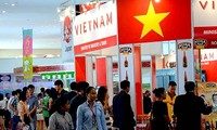 "Vietnam menghadiri  ""Pekan Raya Ekspor-Impor  Kamboja""."