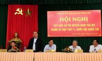 Deputi PM Vietnam, Nguyen Xuan Phuc mengadakan kontak dengan para pemilih provinsi Quang Nam
