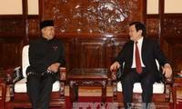 Presiden Truong Tan Sang  menerima para Dubes yang menyampaikan surat mandat