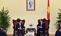PM Vietnam, Nguyen Tan Dung menerima Deputi PM Laos, Somsavat Lengsavad