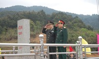 Melanjutkan aktivitas-aktivitas temu pergaulan persahabatan ke-3 pertahanan  perbatasan Vietnam-Tiongkok