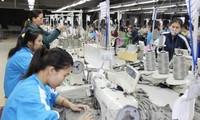 Taiwan (Tiongkok) menduduki posisi ke-3 diantara 50 negara dan teritori yang punya proyek investasi di Vietnam