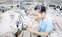 Memodernisasi perekonomian sekaligus meningkatkan daya saing di sektor ekonomi  swasta