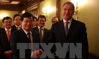 Mendorong penggelaran proyek-proyek kerjasama ekonomi titik berat antara Vietnam-Rusia