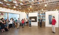 Pameran lukisan yang bercorak pedesaan ciptaan pelukis Ha Tri Hieu membuka  rangkaian pameran AIA Vietnam Eye