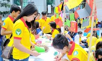 "Puluhan ribu pelajar dan mahasiswa kota Ho Chi Minh ikut serta dalam  kampanye ""Musim Semi Relawan"""