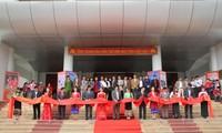 "Pembukaan Festival Koran Musim Semi dan pameran  dokumen: ""Hoang Sa dan Truong Sa wilayah Vietnam: Bukti-bukti sejarah dan dasar hukum"" di provinsi Thanh Hoa"