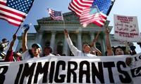 Gedung Putih menentang keputusan Presiden Donald Trump tentang  pencegahan perintah mengontrol kaum migran