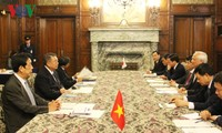 Wakil Ketua MN Vietnam, Uong Chu Luu mengunjungi Majelis Rendah dan Majelis Tinggi Jepang