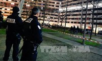 Pemberondongan senapan membuat sedikitnya 7 orang menjadi korban di Perancis