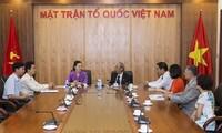 Pemimpin Front Tanah Air Vietnam menerima Dewan Spirituil  Agama Baha'i Vietnam