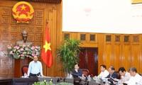 PM Vietnam, Nguyen Xuan Phuc mengadakan temu kerja dengan pimpinan empat provinsi yang terkena kerugian berat pasca taufan dan banjir