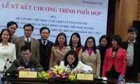 Bekerjasama memperhebat aktivitas yang bersangkutan dengan  warga etnis minoritas dan warga daerah pegunungan