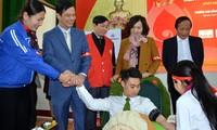 """Banyak daerah di Vietnam mengadakan Hari Donor Darah Sukarela """"Minggu Merah"""" tahun 2018"""