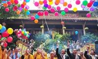Perayaan hari Weisak-kenyataan yang hidup-hidup tentang kebebasan berkepercayaan dan beragama di Viet Nam