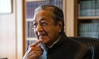 PM Malaysia dengan mendadak  berseru untuk  mempelajari lagi CP TPP