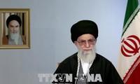 Pemimpin Tertinggi Iran, Ayatollah Ali Khamenei  menentang  perundingan dengan AS