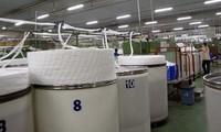 Kandungan lokal bahan mentah dan bahan penunjang tekstil dan produk tekstil  meningkat cepat