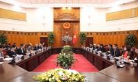 Deputi PM Viet Nam, Vuong Dinh Hue menerima Dewan Pendorongan Diplomasi Rakyat Jepang
