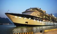Pelabuhan wisatawan  internasional  Ha Long menyambut  kapal  pesiar 5 bintang  yang pertama