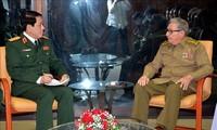 Kuba dan Viet Nam memperkuat hubungan persahabatan antara dua Partai, dua Pemerintah dan angkatan bersenjata dua negara
