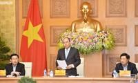 PM Viet Nam, Nguyen Xuan Phuc  mengadakan temu kerja  dengan  Regu Konsultan Ekonomi dari PM