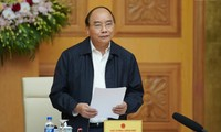 Para pakar  ekonomi menyumbangkan  rencana pada strategi perkembangan ekonomi Viet Nam