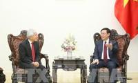 Deputi PM Viet Nam, Vuong Dinh Hue menerima Direktur Eksekutif senior Grup J Trust, Nobiru Adachi