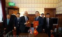 Viet Nam bersama dengan Kerajaan Inggris dan Irlandia Utara bekerjasama mencegah dan memberantas penyelundupan manusia