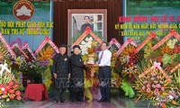 Pembukaan  mega upacara peringatan HUT ke-80 lahirnya agama Buddha mazhab Hoa Hao