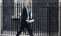 Menteri Keuangan Inggris memperingatkan  bahaya hilangnya Scotlandia jika  Brexit tidak mencapai permufakatan