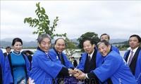 PM Nguyen Xuan Phuc menerima  Ketua Persekutuan Legislator Persahabatan Jepang-Viet Nam