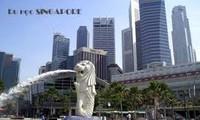 Menyosialisasikan barang kerajinan tangan-artistik  dan  barang suvenir  Viet Nam di Singapura