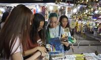 Para pemuda dan mahasiswa diaspora Vietnam  menguak tabir kota kuno Hoi An-Quang Nam
