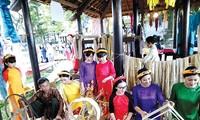 Lebih dari 80 artisan akan mendemonstrasikan  cara merebus  ulat sutra dan menenun sutra di Kota Hoi An