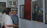Pembukaan Pameran Seni Rupa Daerah Vietnam Tengah Selatan dan Daerah Tay Nguyen kali ke-24