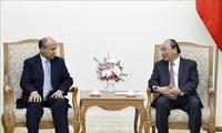 PM  Nguyen Xuan Phuc menerima Dubes  Arab Saudi dan Menteri Perdagangan Luar Negeri dan Investasi  Luar Negeri Kuba