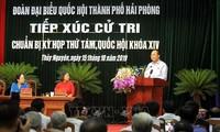 PM Vietnam, Nguyen Xuan Phuc  melakukan kontak dengan para pemilih Kota Hai Phong