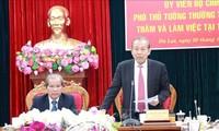 Deputi Harian PM Truong Hoa Binh melakukan temu kerja dengan pimpinan Provinsi Lam Dong