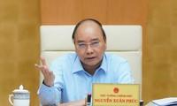 PM Nguyen Xuan Phuc memimpin rapat Badan Pengarahan  urusan penyelengaraan  harga