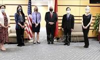 Kemenlu AS mengadakan  pertemuan  sehubungan dengan peringatan HUT ke-25 penggalangan hubungan diplomatik Vietnam-AS