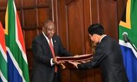 """Upaya memperkuat  """"kemitraan  demi kerjasama dan pembangunan"""" Vietnam-Afrika Selatan"""