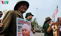 People continue to commemorate General Vo Nguyen Giap