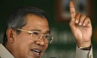 """Cambodian Prime Minister warns """"no tolerance"""" for coup attempt"""