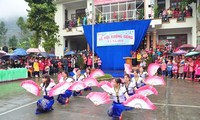 """Ethnic groups celebrate """"Going to the field"""" festival"""