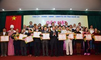 """Ceremony honors """"Vi Giam folk singing as UNESCO's intangible cultural heritage of humanity"""
