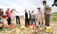 US gives Vietnam 10 million USD to resolve unexploded ordnances