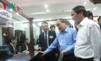 Deputy Prime Minister Nguyen Xuan Phuc works with Hai Phong city