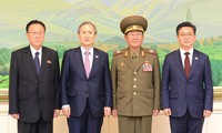 Two Koreas sign 6-point agreement to ease tensions