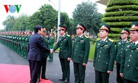 President Truong Tan Sang works with Ninh Binh military command